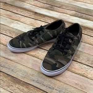 Globe Camouflage Sneakers